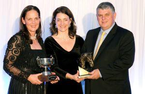 Carl & Amanda de Vos - Outstanding Breeder of the Year Award - Joy Armitage with Carl & Amanda de Vos