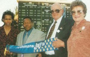 1998 Gr1 Rothmans July, KZN Premier Ben Ngubane, Mrs Sheila Ngubane, Prof Willie and Anna Herbst (photo: gold Circle)